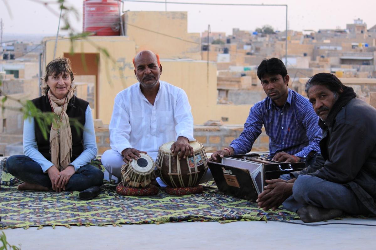 Dominique - Mohan et ses amis musiciens (Inde)